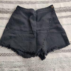 Black linen skort by MOOLOOLA